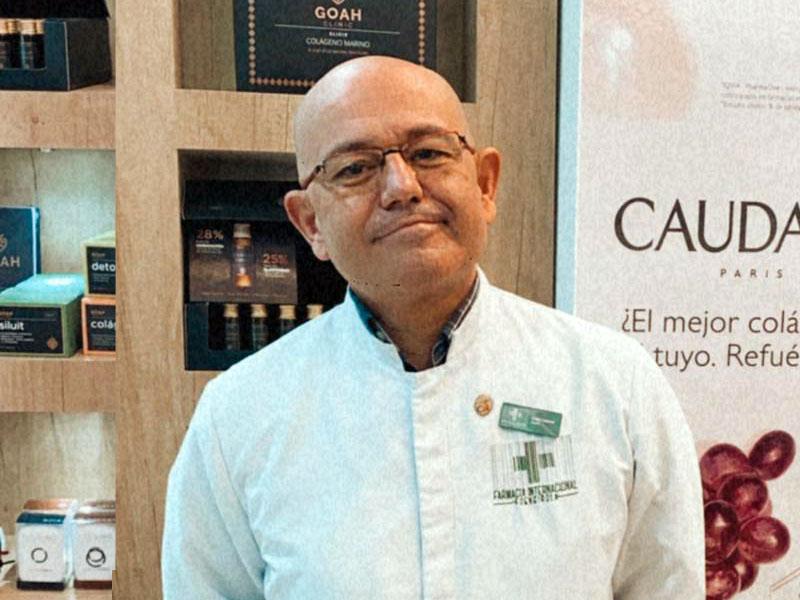 Lázaro Caparrós || | Farmacia Internacional