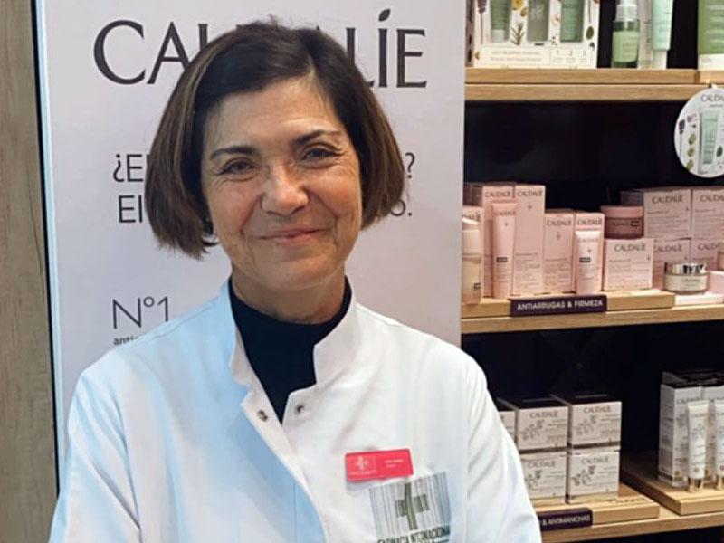 Lina Cortés || | Farmacia Internacional