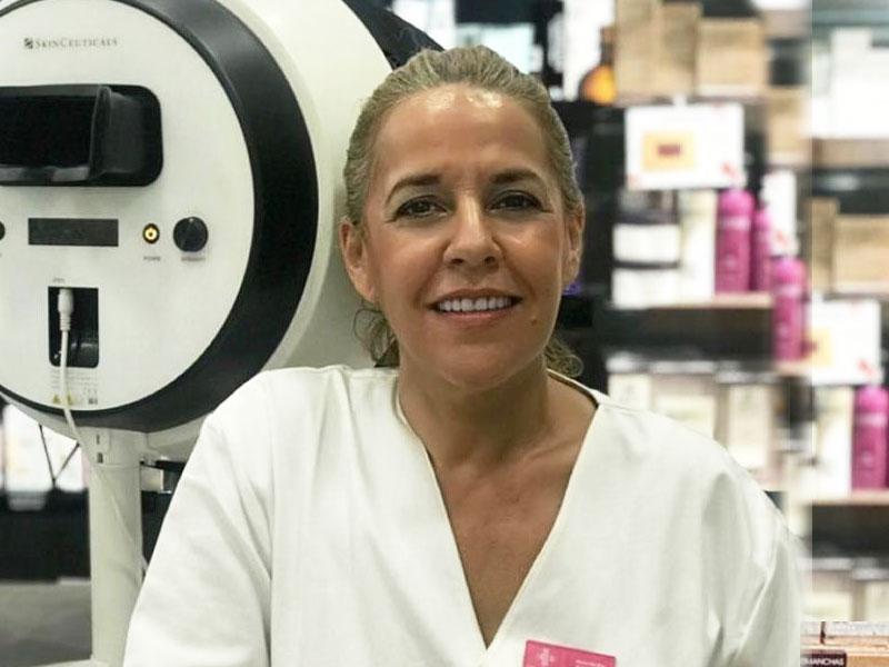 Sari Cortés || | Farmacia Internacional
